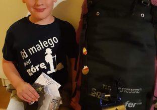 chłopczyk z plecakiem